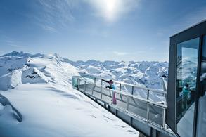 Offers unique insights and views of Austria's highest mountains (c) Kitzsteinhorn